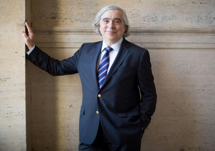 "Nuclear physicist Ernest J. Moniz has returned to MIT following more than three and a half years of service as the 13th U.S. Secretary of Energy. During his time in Washington he led the implementation of President Obama's commitment to an ""al..."